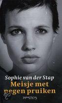 Sophie van der Stap - Meisje met de negen pruiken.