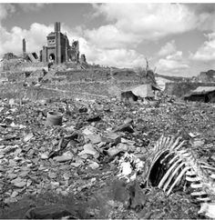 Nagasaki 1945. War whats the point .. Foto icónica de nuestra barbarie como especie.