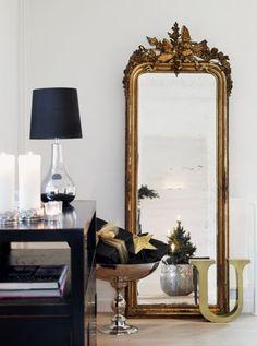 Inspiração - Espelho apoiado no chão para hall, composto junto a cabideiro, puff ou aparador