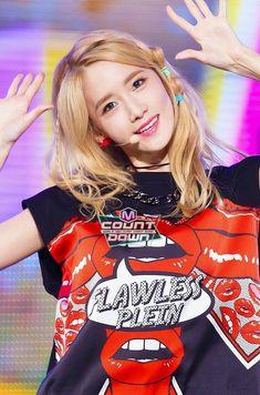 150723 Yoona - Party @ M Countdown Sooyoung, Yoona Snsd, Girls Generation, Kwon Yuri, Korean Star, South Korean Girls, Kpop Girls, Asian Beauty, Gemini