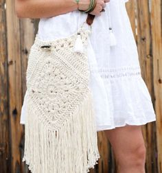 Boho love This boho bag free crochet pattern is fun to put together and loaded with bohemian charm Made with Lion Brand Kitchen Cotton in Vanilla Crochet Handbags, Crochet Purses, Bead Crochet, Free Crochet, Crochet Style, Boho Diy, Crochet Patterns, Bag Patterns, Craftsman