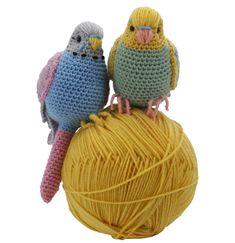 Gratis haakpatroon: PARKIET - Freubelweb :Freubelweb Crochet Bird Patterns, Crochet Birds, Crochet Patterns Amigurumi, Love Crochet, Crochet Animals, Crochet Designs, Crochet Toys, Crochet Easter, Crochet Snowman