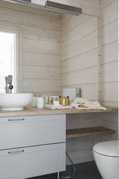 〚 The beauty of natural minimalism in Finland 〛 ◾ Photos ◾Ideas◾ Design Scandi Home, Scandinavian Home, Laundry Room Bathroom, Small Bathroom, White Bathroom, Best Bathroom Designs, Malm, House In The Woods, Log Homes