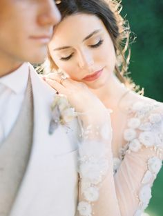 This Enchanting Garden Venue Is Straight out of a Jane Austen Novel - lace things Wedding Picture Poses, Wedding Couple Photos, Wedding Couples, Wedding Pictures, Unique Wedding Poses, Wedding Ideas, Wedding Bride, Lesbian Wedding, Wedding Menu