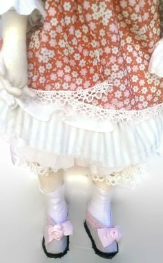 Handmade rag doll, handmade doll clothes and shoes. Made by KamomillaDesign. Lace Shorts, Doll Clothes, Textiles, Hand Painted, Dolls, Unique, Handmade, Shoes, Women