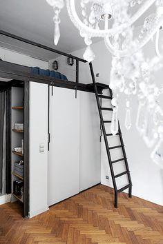 30-metrowa kawalerka z antresolą - urządzona... w jednym z pokoi mieszkania w Krakowie - Dom