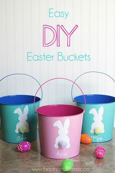 Super easy custom DIY Easter Basket with a FREE cut file for your Silhouette CAMEO or Portrait. Super easy custom DIY Easter Basket with a FREE cut file for your Silhouette CAMEO or Portrait. Homemade Easter Baskets, Custom Easter Baskets, Personalized Easter Baskets, Easter Basket Ideas, Easter Projects, Easter Crafts For Kids, Bunny Crafts, Easter Buckets, Plastic Buckets