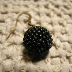 boucles doreilles peyote 3d boules prune meraude mat iris - Patre Boules Colores