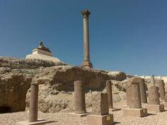 Viajes y tours en Egipto, La Columna de Pompeyo http://www.espanol.maydoumtravel.com/Paquetes-de-Viajes-Cl%C3%A1sicos-en-Egipto/4/1/29