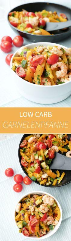 Schnelle Low Carb Gemüsepfanne mit Garnelen, Zucchini, Paprika, Zwiebeln und Tomaten - Gaumenfreundin Foodblog #schnellerezepte #gesunderezepte #lowcarb #lowcarbrezepte #fitnessrezepte #rezept #kochen #rezepte #foodblog #garnelenrezepte #frühlingsrezepte