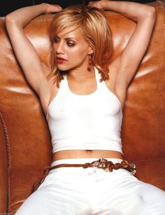 Dedicated to beautiful actress and singer Brittany Murphy! Girl Interrupted, Brittany Murphy, Beautiful People, Beautiful Women, Ripped Girls, Celebs, Celebrities, Girl Crushes, Famous Faces