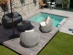 Small terrace with pool Hot Tub Backyard, Small Backyard Pools, Backyard Pool Designs, Backyard Landscaping, Pools For Small Yards, Small Swimming Pools, Swimming Pools Backyard, Ideas Para Decorar Jardines, Kleiner Pool Design