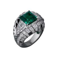 Haute Joaillerie Ring Haute Joaillerie <br />Cartier Royal <br />Ring - 18 Kt. Weißgold, ein Smaragd aus Kolumbien im Carrée-Schliff mit 3,81 Kt., Obsidiane, kalibrierte Diamanten, Brillanten.