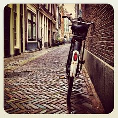 Bike City #dutch #jj_forum #jj #ebstyles_gf #earlybirdlove #city #amsterdam #bikesinthecity - @alanisko- #webstagram