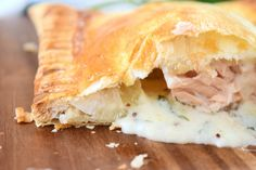This Creamy Dill and Parsley Salmon En Croute, is impressive! Being served a puff pastry parcel, always gives me the feeling I am unwrapping a delicious present and the creamy sauce is just so. Gf Recipes, Pastry Recipes, Salmon Recipes, Baking Recipes, Salmon In Pastry Recipe, Salmon En Croute Recipe, Salmon Wellington Recipe, Creamy Dill Sauce, Dill Salmon