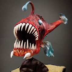 Anglerfisch Clay Projects, Fun Projects, Fabric Fish, Cartoon Fish, Fish Sculpture, Angler Fish, Fish Crafts, Fabric Animals, Gourd Art