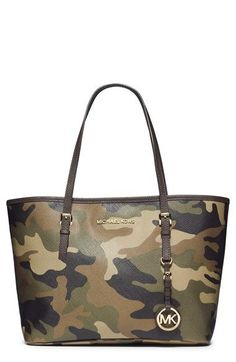 Michael Kors Handbag Camo Army Small Jet Set Travel Tote Women Purse Stylish demi we need one of these! Cheap Michael Kors, Michael Kors Outlet, Handbags Michael Kors, Coach Handbags, Coach Purses, Michael Kors Bag, Handbags 2014, Coach Bags, Jet Set
