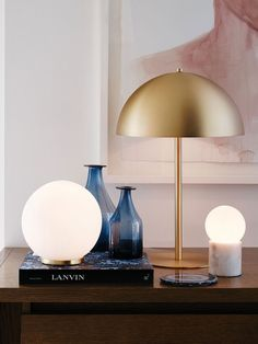 Mondo Large Round Table Lamp in White/Brass