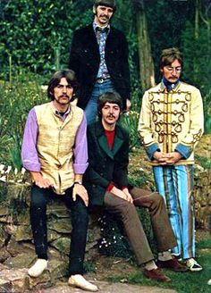 sgt pepper coats | Sgt. Peppers Lonely Hearts Club Band ~♪