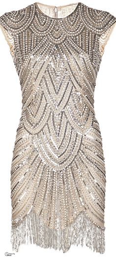 Naeem Khan Embellished Fringe Dress, not loving the fringe but the dress is gorgeous Style Année 20, Looks Style, Mode Style, Vintage Dresses, Vintage Outfits, Vintage Fashion, Victorian Fashion, Flapper Dresses For Sale, 1920s Dress