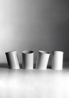 Enzo Mari In attesa, wastepaper basket 1971 Ceramic Pottery, Pottery Art, Enzo Mari, Thrown Pottery, Ceramic Materials, Vase Centerpieces, Desktop Accessories, Tea Pots, Tableware
