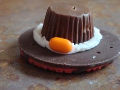 Thanksgiving Pilgrim Hat Cookies. Made these for Caden's school party, so cute!