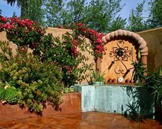 Gorgeous garden designs and landscaping ideas transform backyards into pleasant, attractive and interesting outdoor living spaces. American landscaping expert from Santa Cruz, California Kathleen Shae