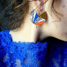 Boucles d'oreilles* plastique fou* ethniques* Diy Plastique Fou, Plastic Fou, Bijoux Diy, Diy And Crafts, Artisan, Homemade, Drop Earrings, Projects, Inspiration