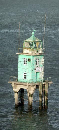 lighthouses.quenalbertini: Irish Lighthouse