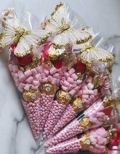Beautiful candy gifts Love the pink and gold colours plus the delicate butterfly topper Birthday Party Decorations, Baby Shower Decorations, Party Favors, Butterfly Table Decorations, Ramadan Decorations, Butterfly Baby Shower, Butterfly Party, Butterfly Gifts, Candy Gift Box