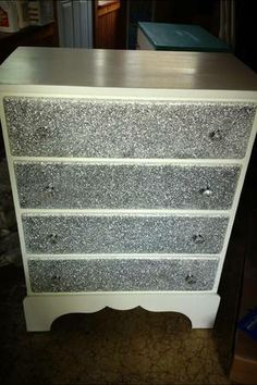 Glitter dresser on craigslist...LOVE IT!!!