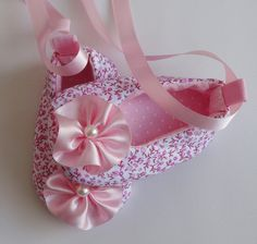 1 million+ Stunning Free Images to Use Anywhere Cute Baby Shoes, Baby Boy Shoes, Baby Booties, Girls Shoes, Baby Shoes Pattern, Shoe Pattern, Baby Ballet Shoes, Doll Shoes, Diy Doll