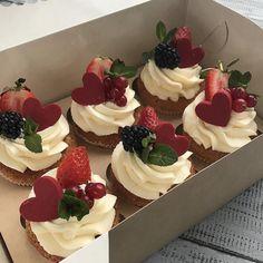 Think Food, I Love Food, Good Food, Yummy Food, Cute Desserts, Dessert Recipes, Cafe Food, Pretty Cakes, Beautiful Cakes