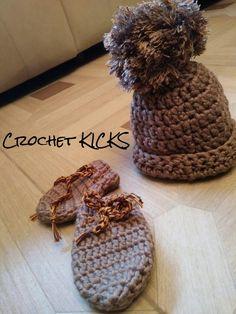Slippers, Crochet, Fashion, Crocheting, Moda, Sneaker, Fasion, Slipper, Chrochet