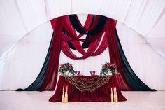 207 отметок «Нравится», 4 комментариев — Свадебный декор со смыслом (@ameli_wedding) в Instagram: «Изысканное оформление в контрастных цветах❤️: роскошь и индивидуализм в одном флаконе!…»
