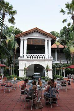 Raffles Courtyard & Gazebo Bar
