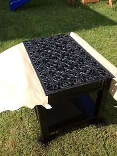 The Project Mom-ster: End Table Project! Diy Pallet Furniture, Refurbished Furniture, Repurposed Furniture, Furniture Projects, Furniture Makeover, Furniture Decor, Painted Furniture, Diy Projects, Painted End Tables