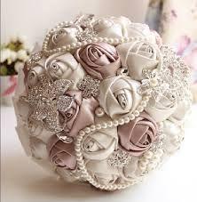 Resultado de imagen para ramos de novia con flores de tela