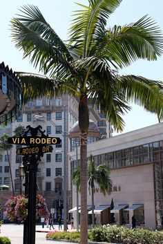 Rodeo Drive ~ Beverly Hills, CA - I absolutely loved Beverly Hills !
