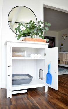 DIY cat litter cabinet - the homebody house # .-DIY Katzenstreu Kabinett – Das Homebody House DIY cat litter cabinet – the homebody house litter - Cat Litter Cabinet, Hidden Litter Boxes, Cat Litter Box Diy, Best Litter Box, Cat Hacks, Ikea Hacks For Cats, Ikea For Pets, Diys For Cats, Cat Diys