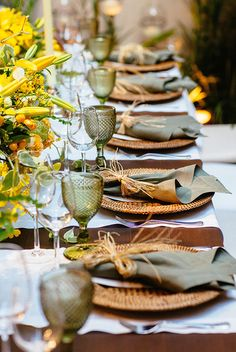 Deep Sage Napkins with Twine-Esque Ribbon. Love the Green Drinking Glass. What a beautiful Table Setting for your Thanksgiving Table. Thanksgiving Table Settings, Thanksgiving Tablescapes, Beautiful Table Settings, Table Set Up, Table Diy, Table Napkin, Fall Table, Decoration Table, Dinner Table Decorations