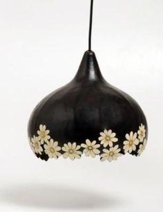 luminária margarida de cabaça luminária de teto de cabaça cabaça,fio ele´trico recorte/pintura,nanquim: