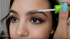 how to grow eyebrows fast and easy - como hacer crecer las cejas rapido y facil how to grow eyebrows fast and easy Makeup Pro, Makeup Tips, Hair Makeup, Beauty Secrets, Beauty Hacks, Beauty Ideas, Natural Beauty Remedies, How To Grow Eyebrows, Body Hacks