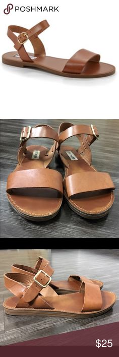 """Steve Madden """"bestii"""" Gently used still in great condition. Small imperfection on right sandal. Steve Madden Shoes Sandals"""