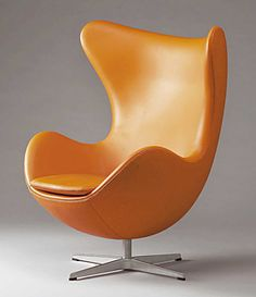 Encase yourself in a lovely reclining Egg Chair by Arne Jacobsen, from Fritz Hansen. This iconic chair has got to be one of the cosiest and most adorable chairs...