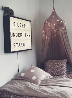 Teen Girl Bedrooms for super warm bedroom area - Creative to exciting sweet decor ideas. Tip reference 8698650301 Sectioned in teen girl bedrooms decorating ideas cozy , created on this date 20190117 Dream Rooms, Dream Bedroom, Home Bedroom, Bedroom Decor, Bedroom Themes, Bedroom Designs, Wall Decor, Warm Bedroom, Pretty Bedroom