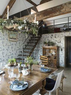 Ideas and inspiration Loft Style, Apartment Inspiration, Dining Area, Interior, Stunning Interiors, Scandinavian Interior, Shelf Decor, Home Decor, Small Living