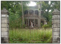 Real Haunted Places In Michigan | The Haunted House