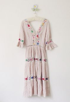 Seventies embroidered dress with lace panels....am in love!!