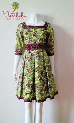 New Fashion African Modern Woman Dresses 40 Ideas Casual Dresses, Fashion Dresses, Woman Dresses, Dress Batik Kombinasi, Batik Fashion, Batik Dress, Traditional Fashion, African Dress, African Fashion